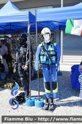 Uniformi - Divisa Polizia del Mare - Foto Album Fiamme Blu